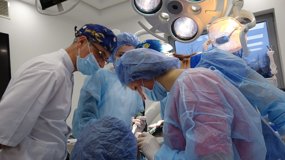 practiculum-implantologii-svi-s8-023