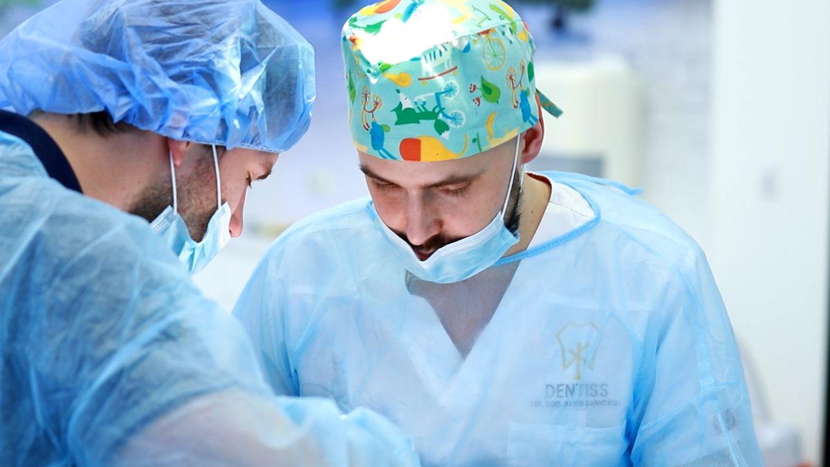 practiculum-implantologii-svi-s10-034