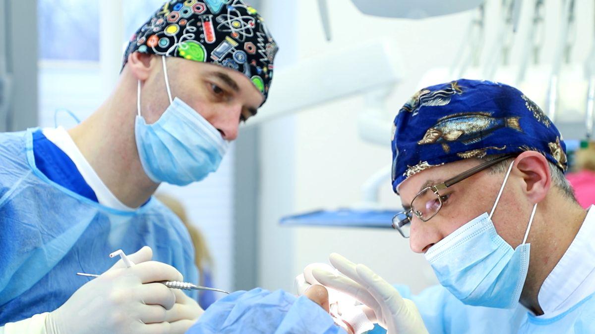 practiculum-implantologii-svi-s10-039