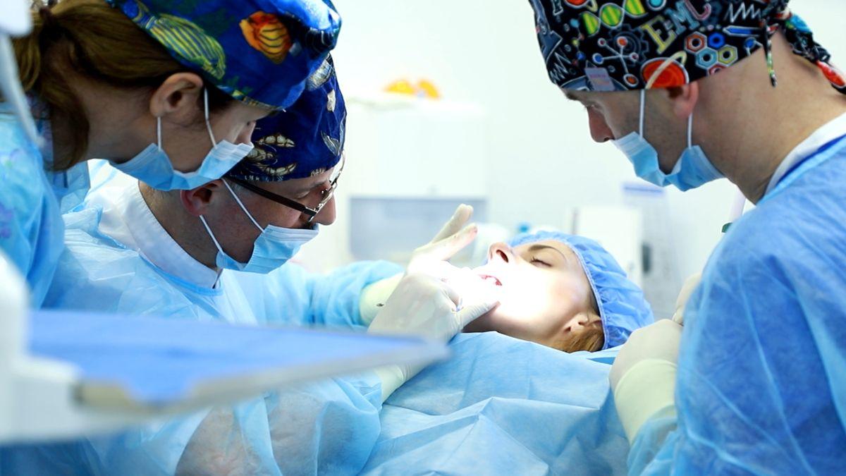 practiculum-implantologii-svi-s10-042