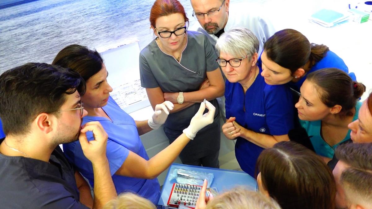 practiculum-implantologii-s7b-e2-003