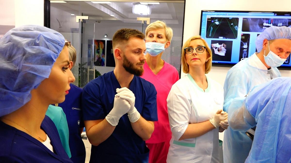 practiculum-implantologii-s7b-e2-023
