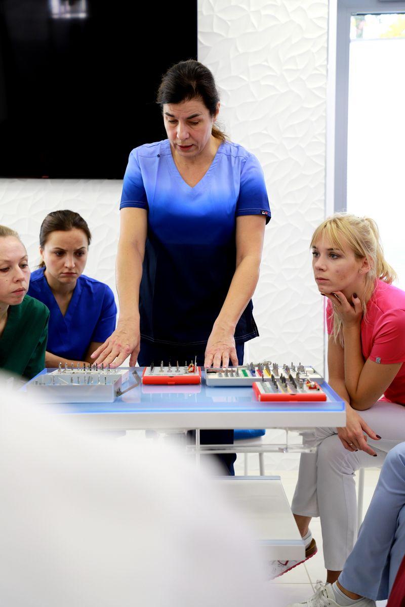 practiculum-implantologii-sviia-s2-018