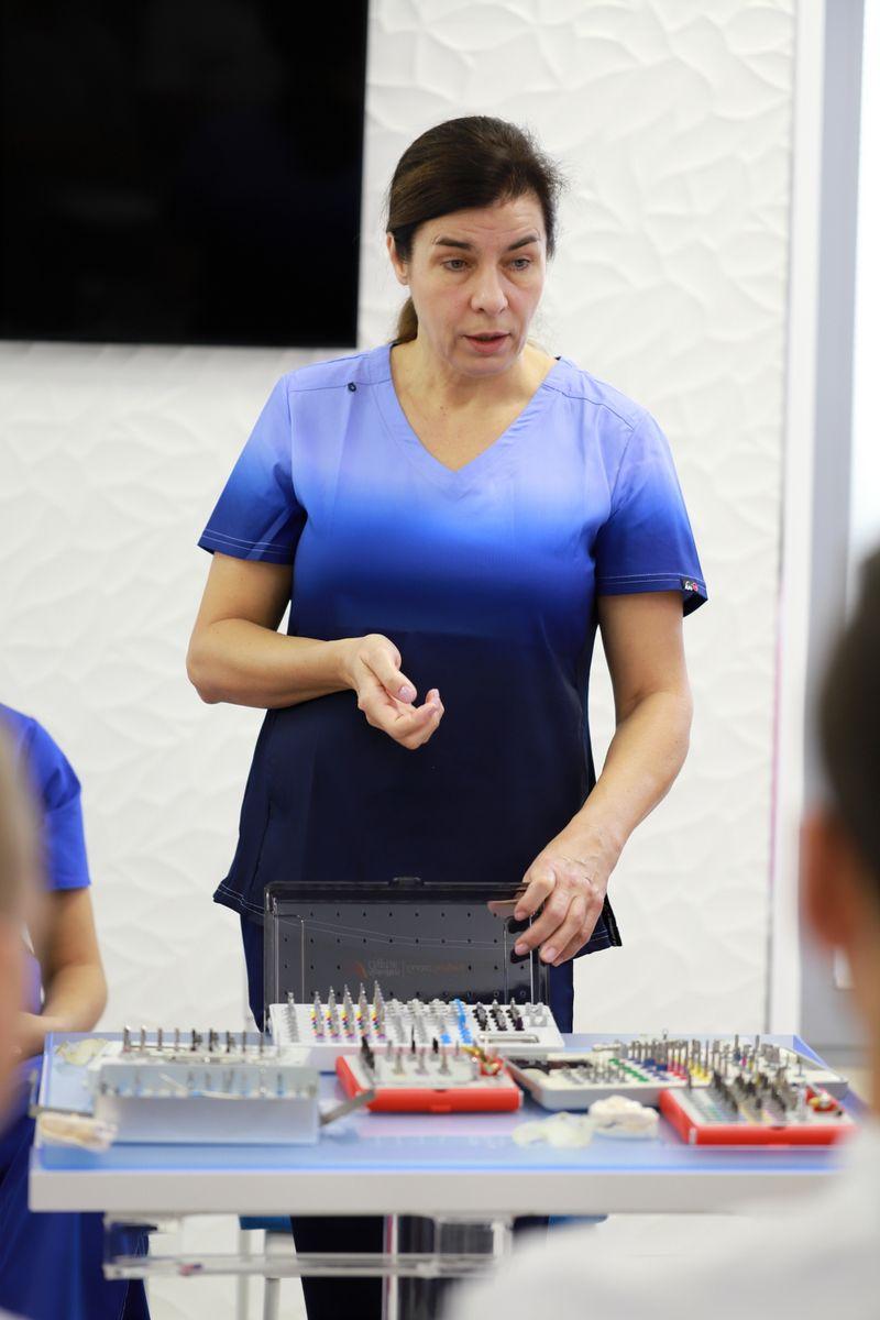 practiculum-implantologii-sviia-s2-026
