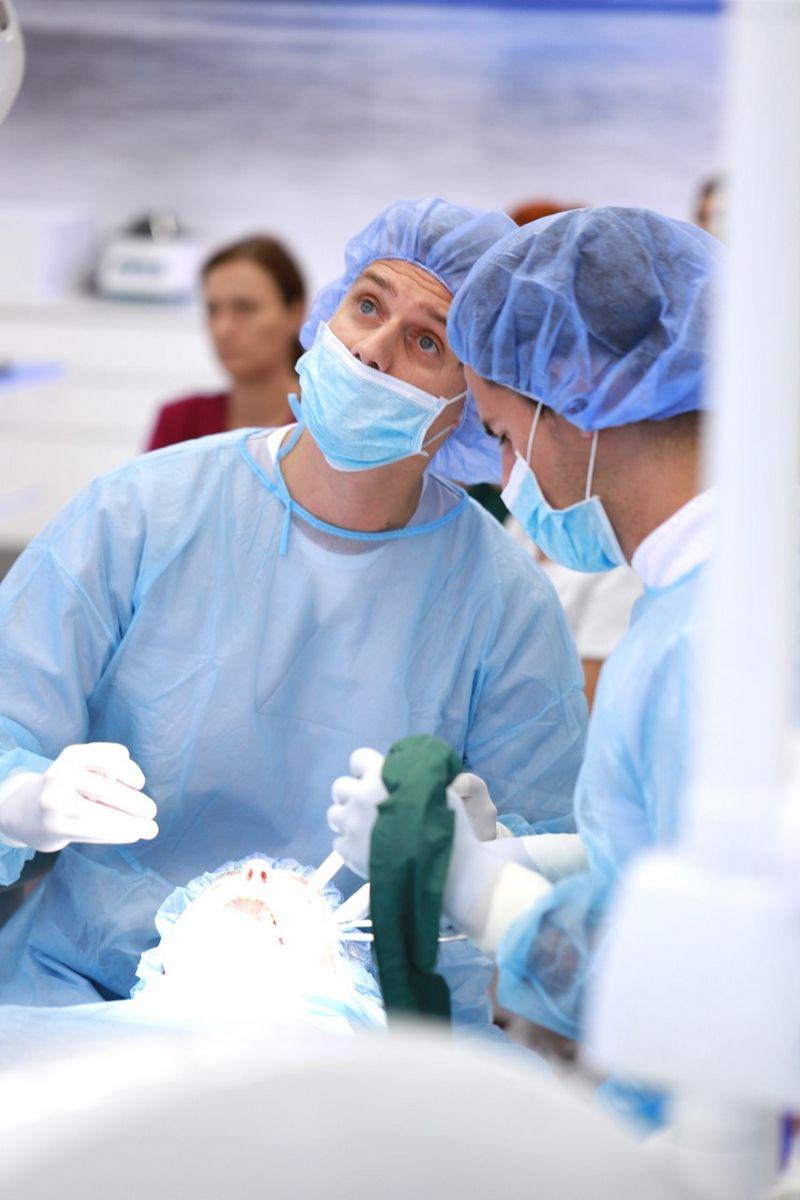 practiculum-implantologii-sviia-s2-073