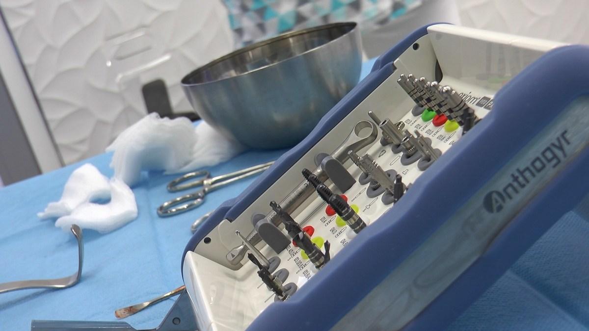 practiculum-implantologii-se-vii-gb-s3-037