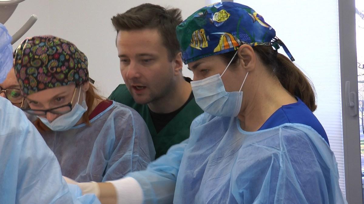 practiculum-implantologii-se-vii-gb-s3-049