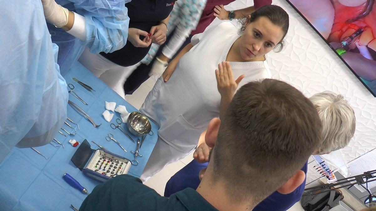 practiculum-implantologii-se-vii-gb-s3-052