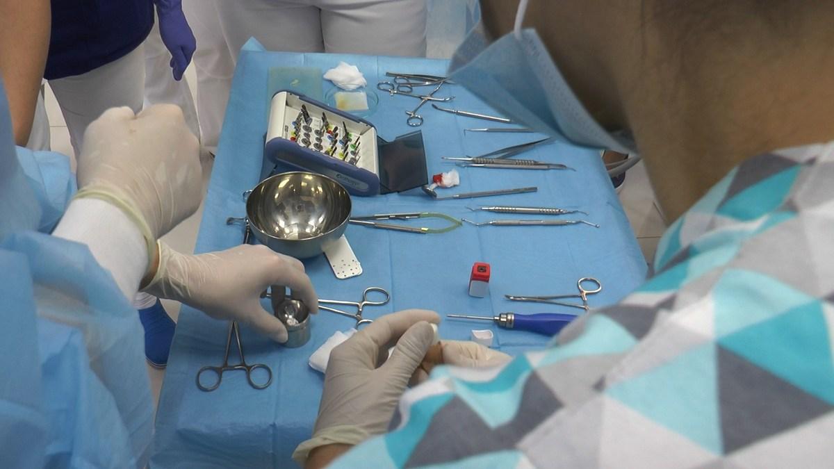 practiculum-implantologii-se-vii-gb-s3-072
