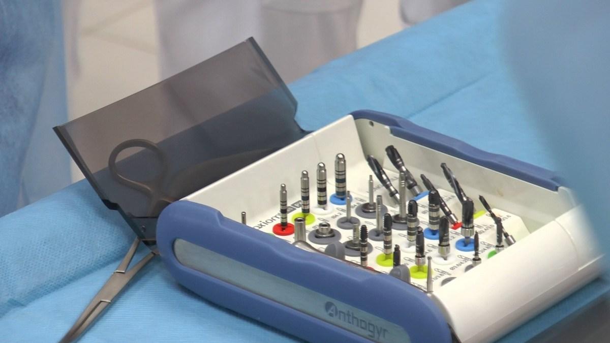practiculum-implantologii-se-vii-gb-s3-140