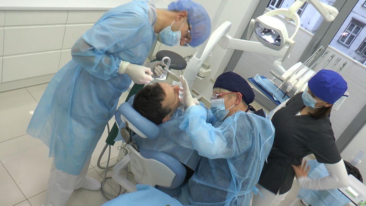 practiculum-implantologii-sviib-s5-003