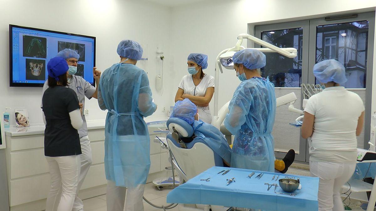 practiculum-implantologii-sviib-s5-048