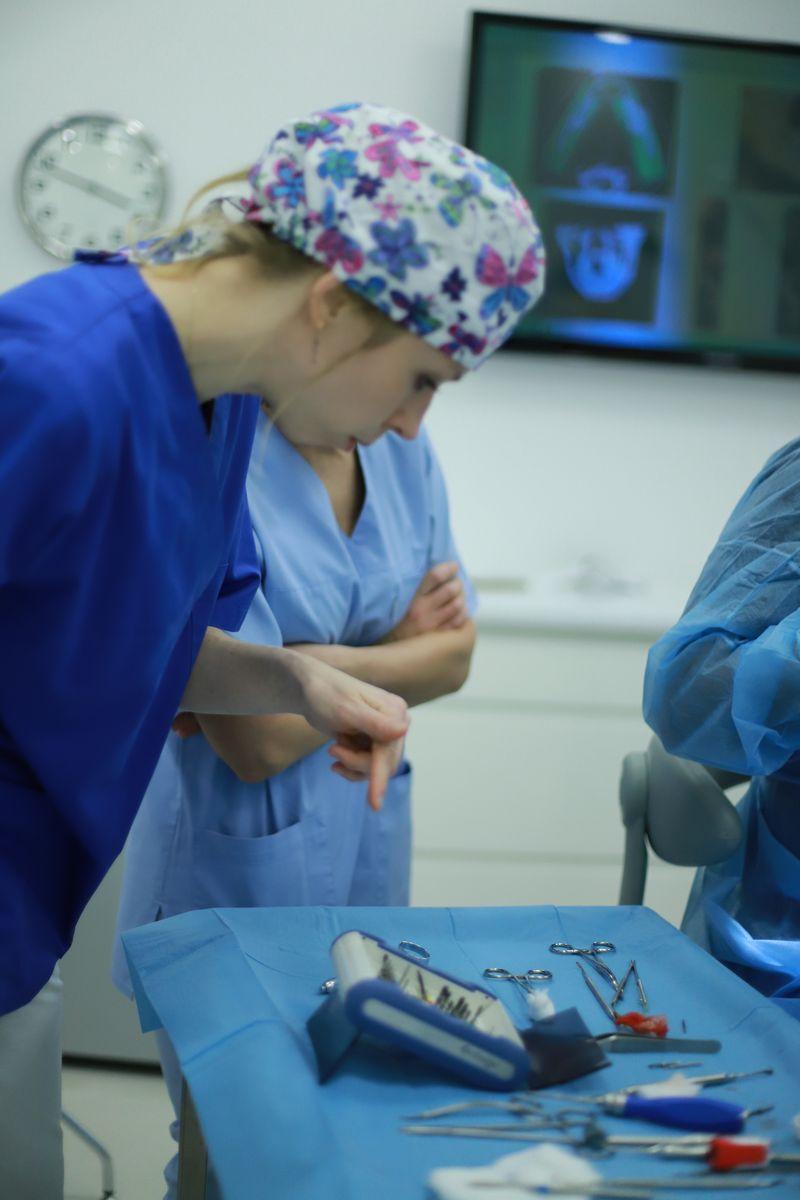 practiculum-implantologii-sviib-s5-001