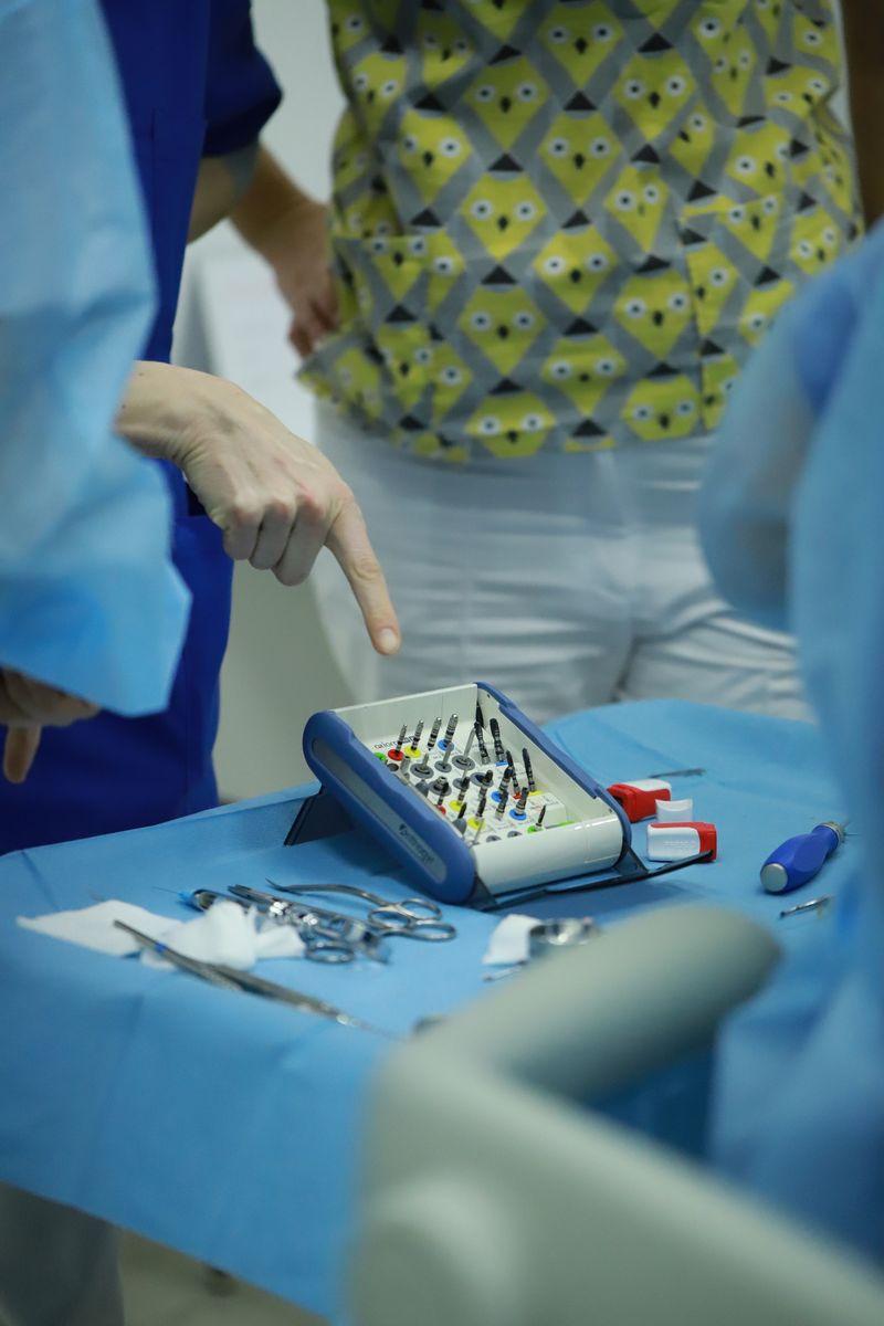 practiculum-implantologii-sviib-s5-007
