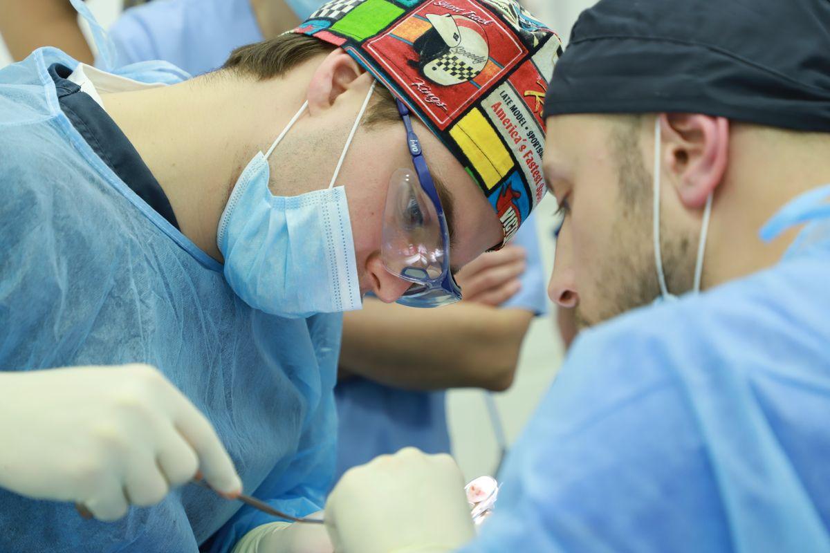 practiculum-implantologii-sviib-s5-009