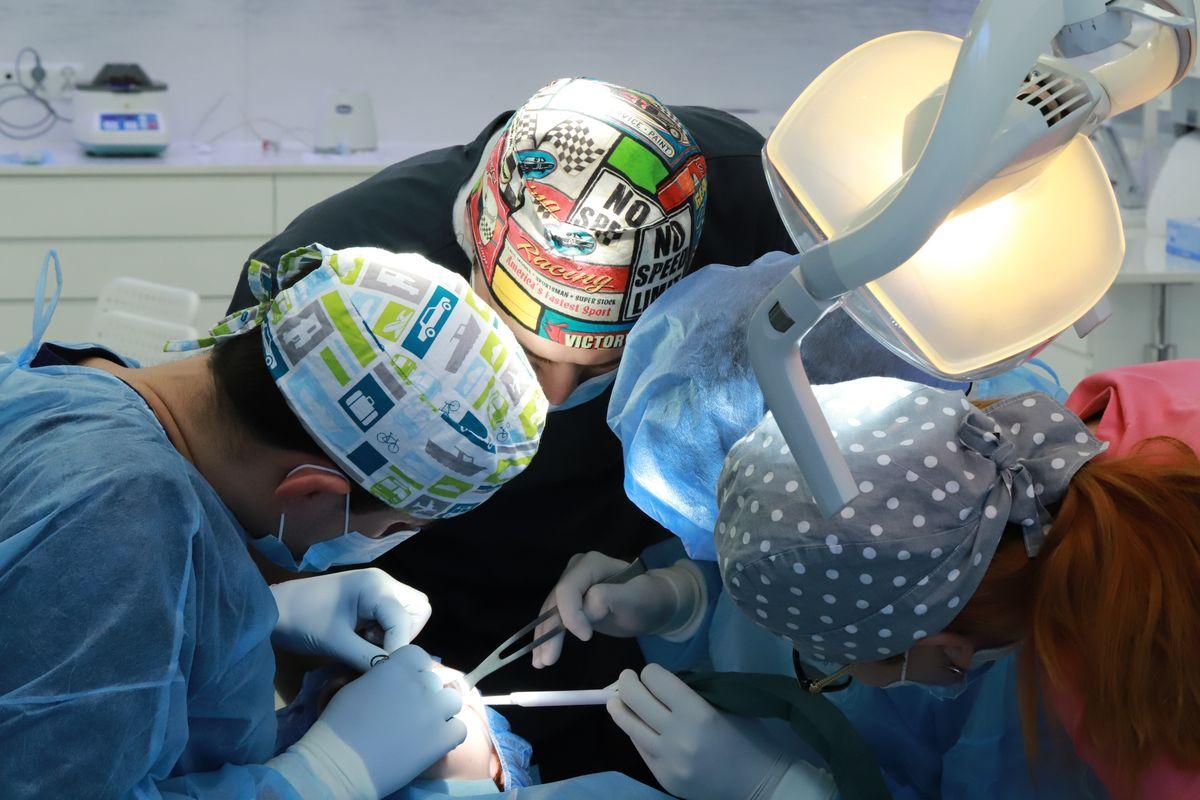 practiculum-implantologii-sviib-s5-020