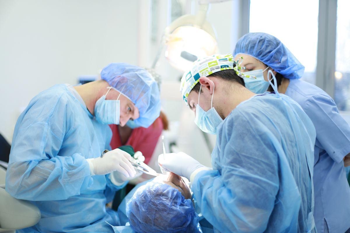 practiculum-implantologii-sviib-s5-022
