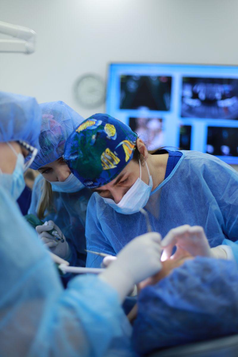 practiculum-implantologii-sviib-s5-026