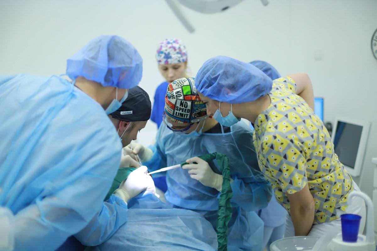 practiculum-implantologii-sviib-s5-035
