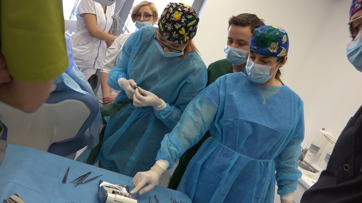 practiculum-implantologii-sviib-s7-d2-037
