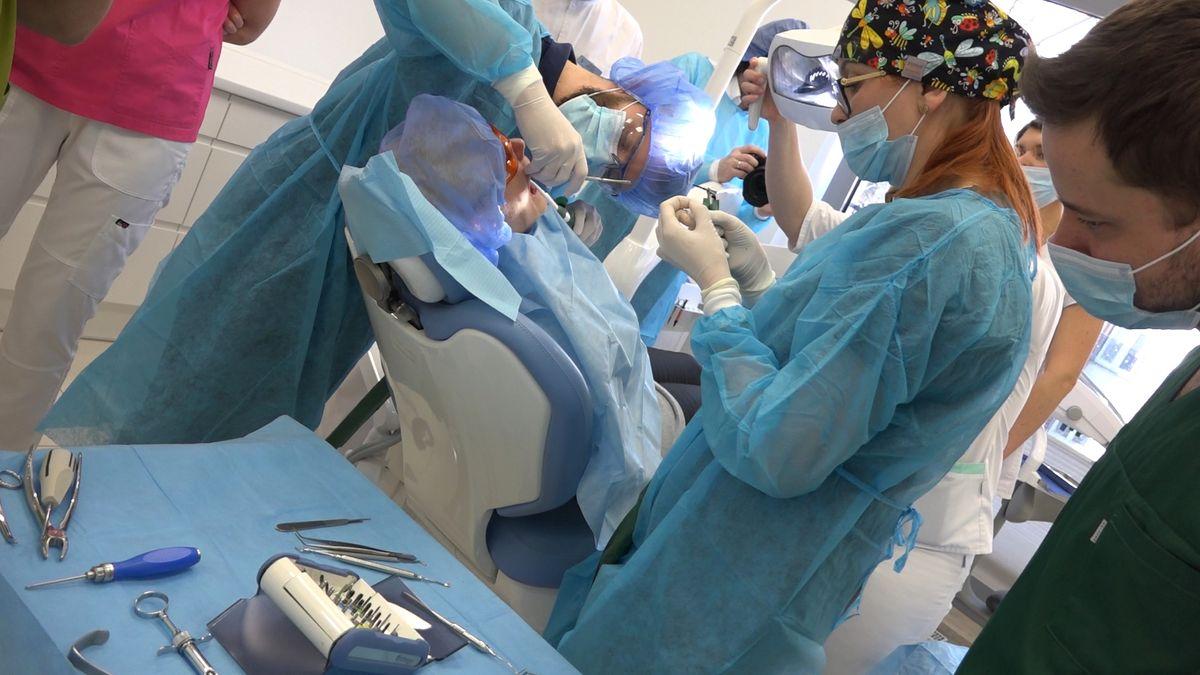 practiculum-implantologii-sviib-s7-d2-039