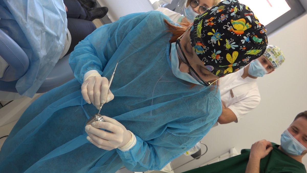 practiculum-implantologii-sviib-s7-d2-060