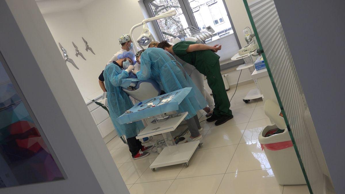 practiculum-implantologii-sviib-s7-d2-076