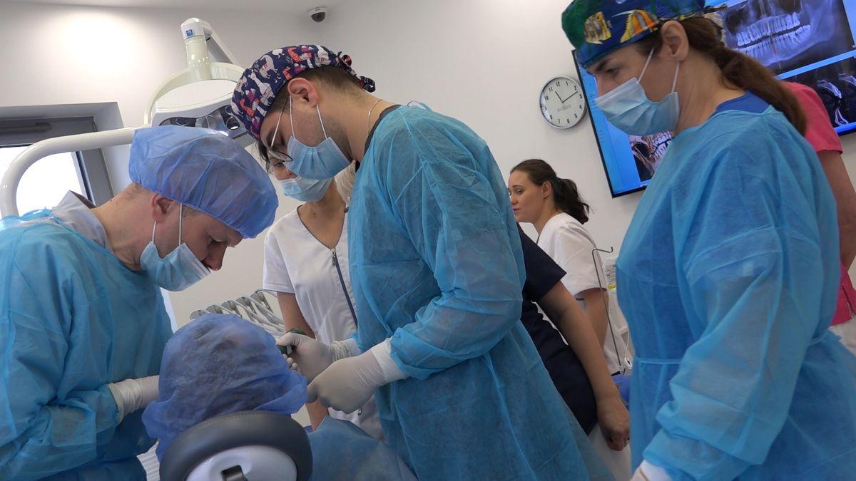 practiculum-implantologii-sviib-s7-d2-083