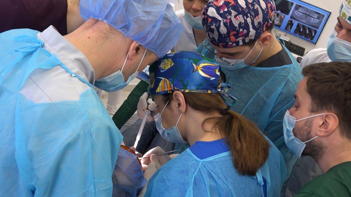 practiculum-implantologii-sviib-s7-d2-085