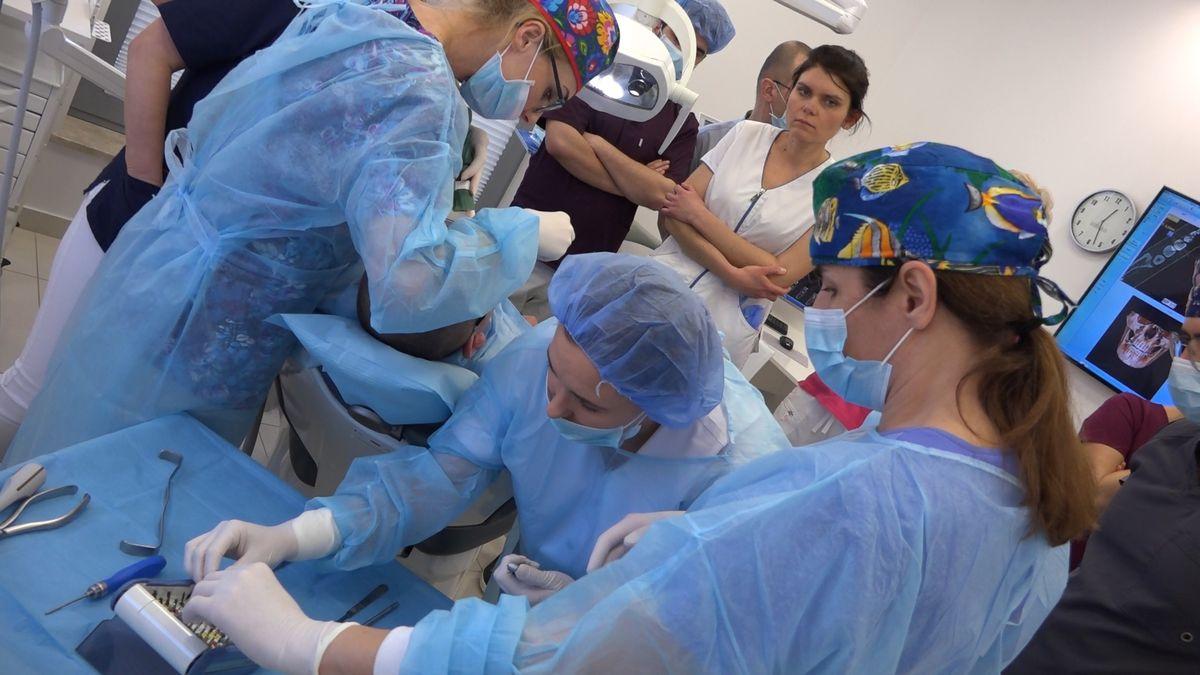 practiculum-implantologii-sviib-s7-d1-018