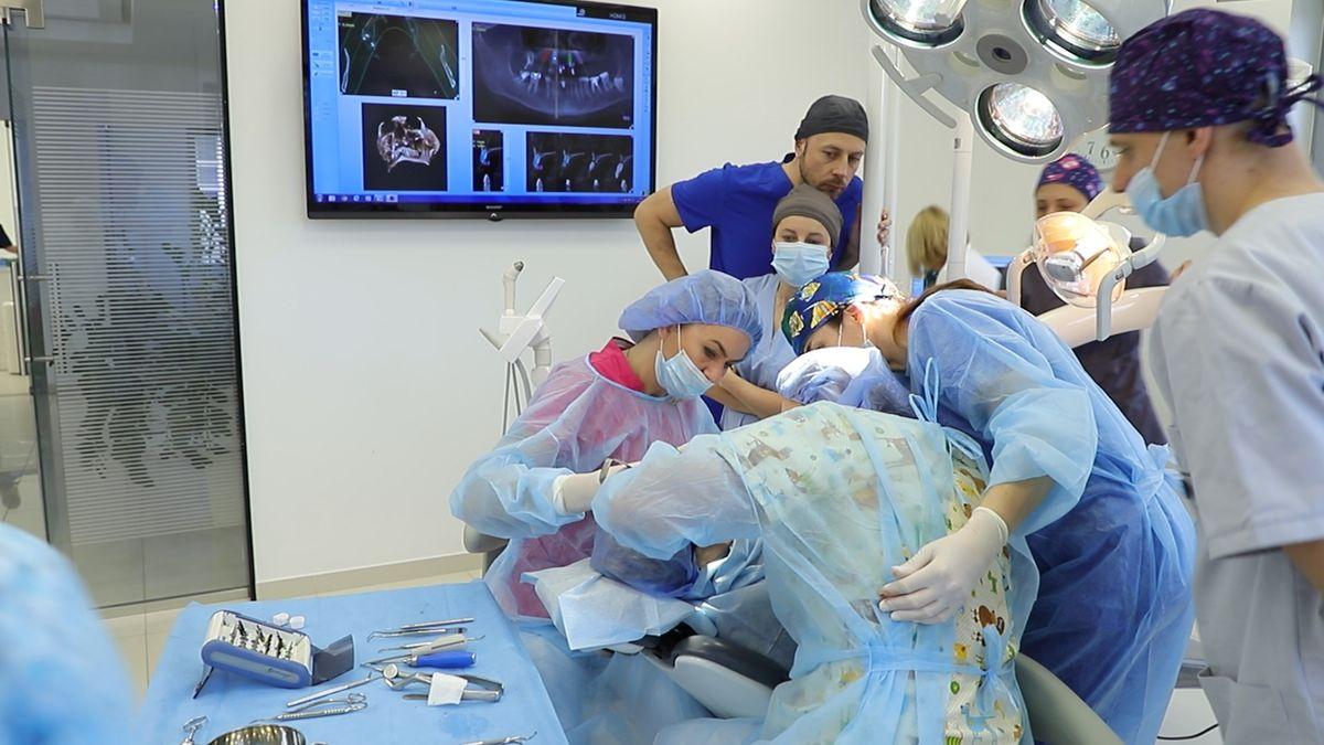 practiculum-implantologii-sviia-s7-256