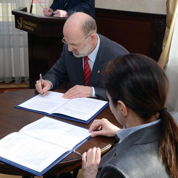 podpisanie-umowy-z-politechnika-gdanska-07
